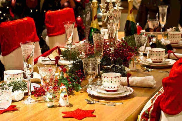 7 Πρακτικοί Τρόποι για να Αντιμετωπίσετε τους Δύσκολους Συγγενείς Φέτος τις Γιορτές