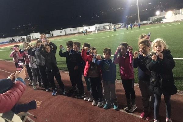 Αγώνες για τους μικρούς αθλητές του στίβου του ΑΟ Μυκόνου