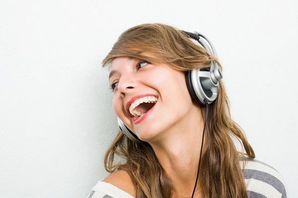 Η χαρούμενη μουσική αυξάνει τη δημιουργικότητα