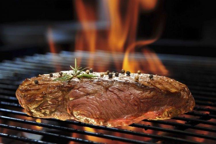 Πώς να ψήσετε το Perfect Juicy Steak (Videos+tips)
