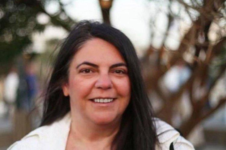 Ντίνα Σαμψούνη: Πότε θα Επαναστατήσει η Αξιοπρέπεια ενάντια στους Χαλασοχώρηδες του Καπηλείου