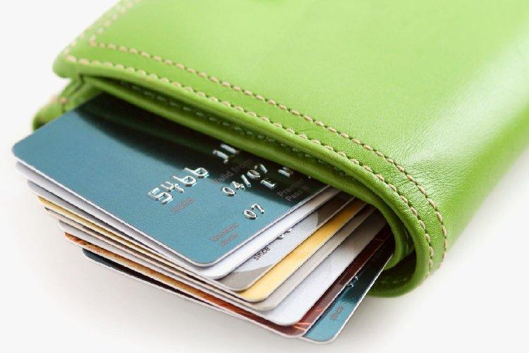 Τράπεζες: Χρέωση ακόμη και για αλλαγή PIN στις κάρτες!! Νέες προμήθειες στις συναλλαγές!!