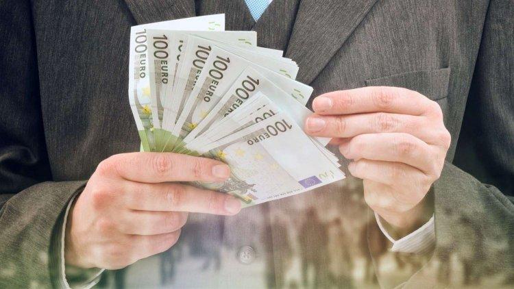 Ποινικός Κώδικας: Φωτογραφική διάταξη αμνηστεύει τραπεζικά στελέχη από κάθε ποινική ευθύνη