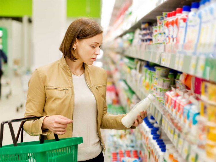 Coronavirus : Πλαφόν τα 3 αντισηπτικά ανά πελάτη στα σούπερ μάρκετ μελετά το Υπουργείο Ανάπτυξης