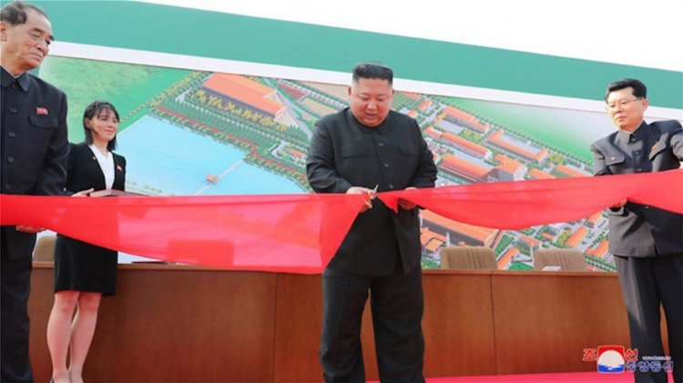 Ο Kim Jong Un παρέστη στα εγκαίνια νέου εργοστασίου παραγωγής λιπασμάτων στη Sunchon