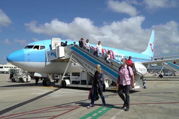 Reopening Tourism-TUI: Επανεκκίνηση με 30% λιγότερα και ακριβότερα «πακέτα» – Από Ιούλιο «πουλάει» ελληνικούς προορισμούς