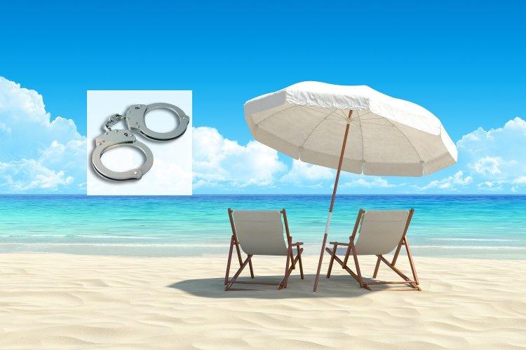 Mykonos: Συλλήψεις (2) ημεδαπών, για κατάληψη τμήματος παραλίας χωρίς άδεια