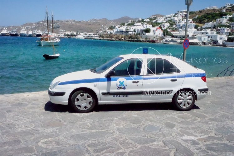 Mykonos: Συλλήψεις στη Μύκονο, ημεδαπού για κατάληψη αιγιαλού και μη νόμιμου αλλοδαπού