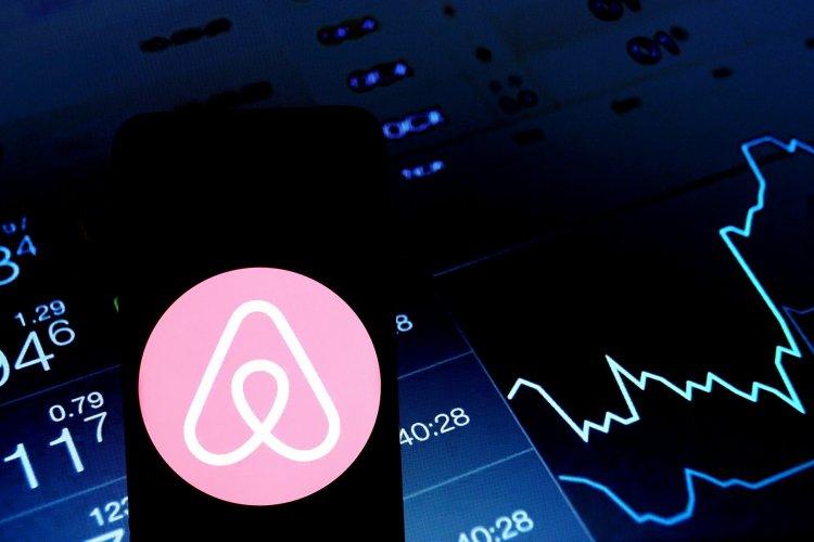 Airbnb during Coronavirus: «Το ταξίδι, όπως το ξέραμε, τελείωσε», προειδοποιεί CEO της Airbnb