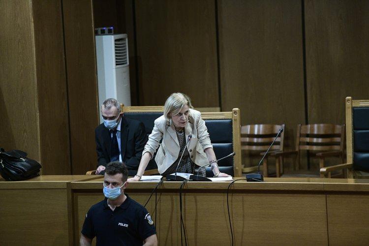"""Golden Dawn trial: Οργή μετά την πρόταση για αναστολή!! """"Η εισαγγελέας δεν κρατά ούτε τα προσχήματα"""""""