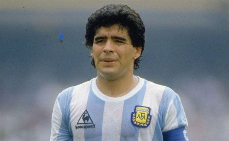 Παγκόσμιος θρήνος! Πέθανε ο Ντιέγκο Μαραντόνα (pic, vid)