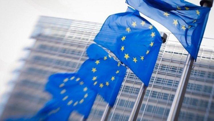 European Commission: Η Κομισιόν προτείνει επιπλέον 2,5 δισ. ευρώ προς την Ελλάδα, για την προστασία των θέσεων εργασίας και των εισοδημάτων