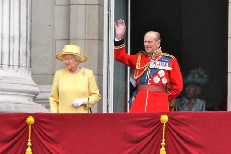 Notable Death: Πέθανε ο πρίγκιπας Φίλιππος, σύζυγος της βασίλισσας Ελισάβετ