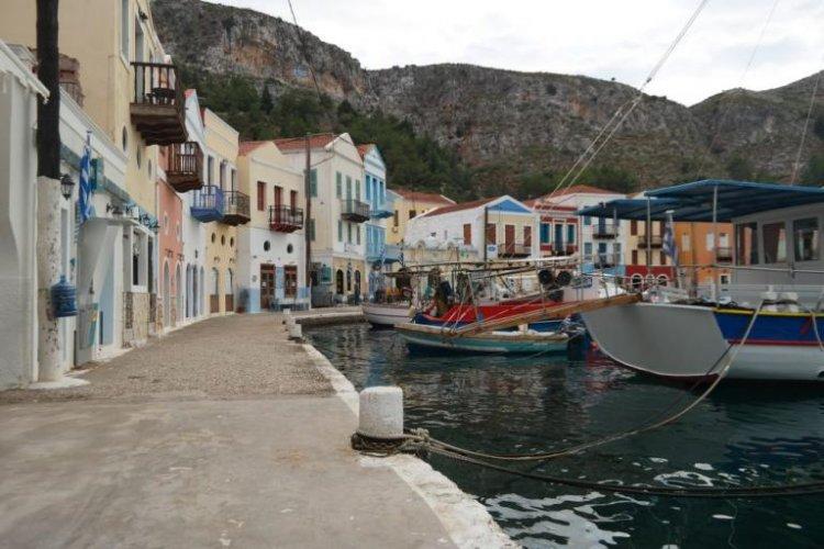Operation freedom - Daily Mail: «Τα 60 covid-free νησιά δεν ήταν ποτέ πιο δελεαστικά»