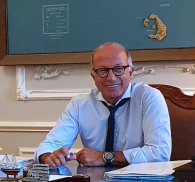 D.R.G Giorgos Leontaritis: «Κούπες» στις Κυκλάδες - Ευχές Λεονταρίτη στις ομάδες βόλεϊ Α.Ο. Φοίνικας Σύρου ONEX και Α.Ο. Θήρας