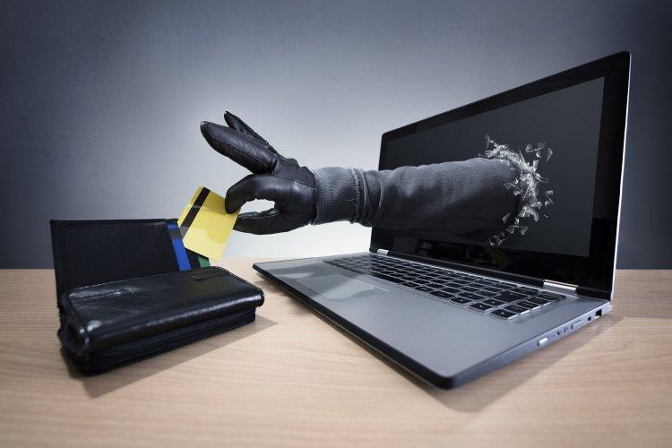Credit Card Fraud: Προσοχή τεράστια Υποκλοπή!! Έτσι βρίσκουν το PIN στην Πιστωτική Κάρτα!!