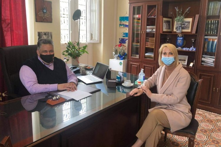 MP Katerina Monogiou: Επίσκεψη της Κατερίνας Μονογυιού στην Άνδρο