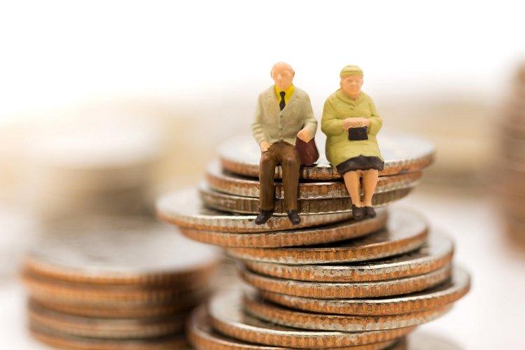 New pension rules: Θα πληρώνουν Λογιστές και Δικηγόρους και οι Ασφαλισμένοι, για να βγει η σύνταξη τους!! Όλη η τροπολογία