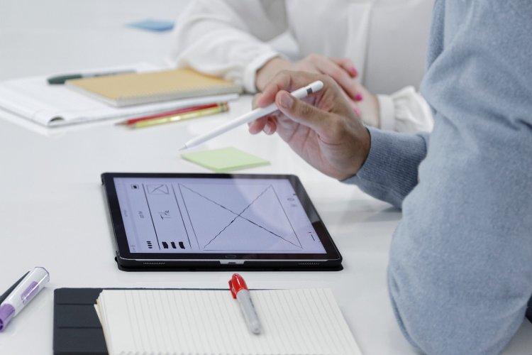 Tax Evasion & Artificial Intelligence: Τάμπλετ και Κινητές συσκευές, στην υπηρεσία των Φορολογικών Ελέγχων της ΑΑΔΕ