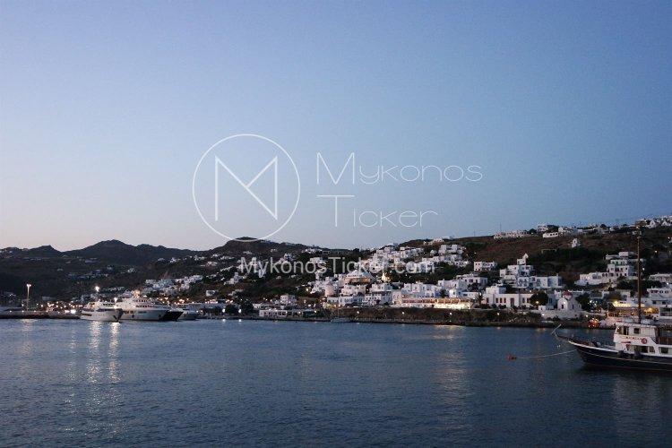 Tourism Season 2021: Οι Βρετανοί τουρίστες ετοιμάζονται για «απόβαση» στην Ελλάδα - Ετοιμα στις 17 Μαΐου τα διαβατήρια εμβολιασμού