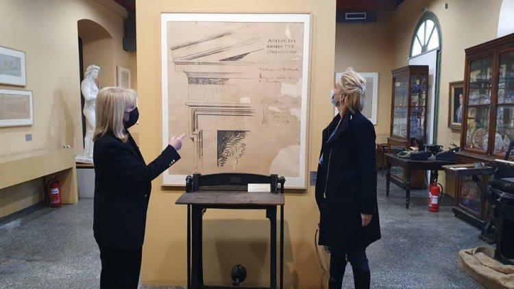 MP katerina Monogiou: Επίσκεψη της Κατερίνας Μονογυιού στο Βιομηχανικό Μουσείο Ερμούπολης