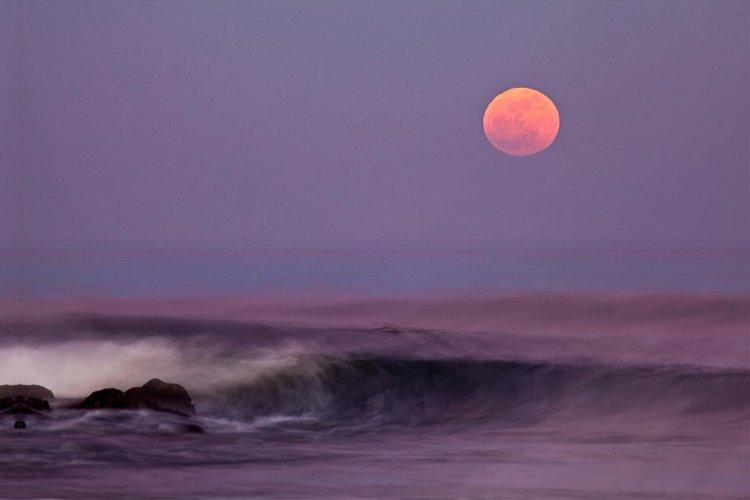 Full Pink Moon: Η «ροζ πανσέληνος» μαγικό θέαμα στον ουρανό!! Η πιο φωτεινή Πανσέληνος της χρονιάς, σηματοδοτεί το τέλος του χειμώνα [Live]