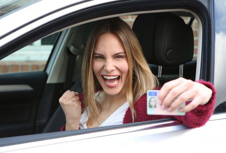 Driving Licence: Διπλώματα οδήγησης - Εξετάσεις από τα 17, εξεταστής και κάμερες -  Όλο το νέο νομοσχέδιο