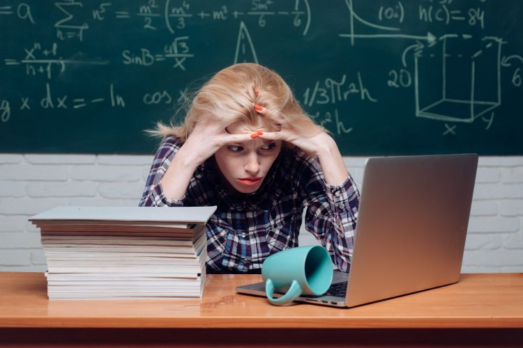 Panhellenic Exams 2021: Ανοικτές τηλεφωνικές γραμμές παροχής Πληροφοριών και Ψυχολογικής υποστήριξης για υποψηφίους των Πανελλαδικών Εξετάσεων