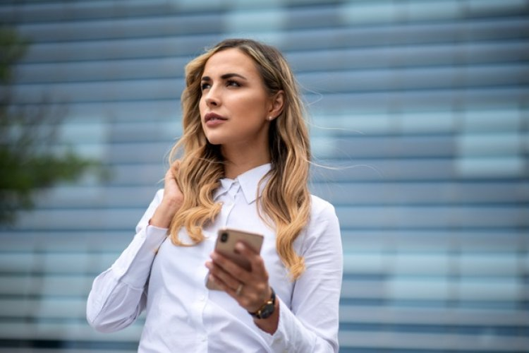 Mobile phone deals - Pricing Models: Αλλαγές στα συμβόλαια και τις χρεώσεις συνδρομητών - Τι ορίζει ο νέος κανονισμός