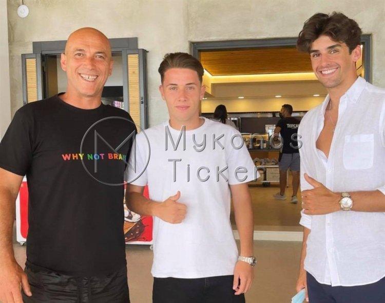 Mykonos: Στο Tropicana Beach bar ο hot young winger της Μπαρτσελόνα Φρανσίσκο Τρινκάο