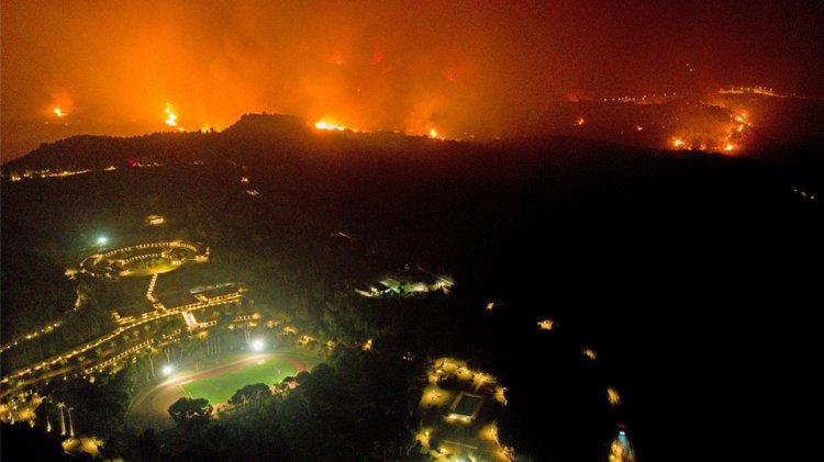 Fires in Greece: Παραγγελία εισαγγελέα του Αρείου Πάγου για εις βάθος έρευνα για τις πυρκαγιές – Ζητεί να ερευνηθεί τυχόν σκόπιμη οργανωμένη εγκληματική δραστηριότητα