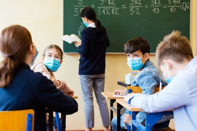 Education during Covid-19 - Κεραμέως: Αν υπάρχει κρούσμα σε τάξη, τα παιδιά θα κάνουν επτά τεστ την εβδομάδα, καμία ελαστικότητα στις απουσίες
