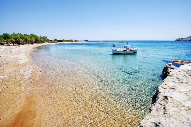 The hidden corners of Greece: Οι 10 «κρυμμένες γωνιές» της Ελλάδας που οι Έλληνες δεν θα ήθελαν να μοιραστούν- Daily Telegraph