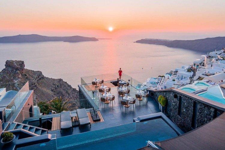 "Santorini Luxury Kivotos Hotels and Villas: Χορηγήθηκε σήμα ""Boutique Hotel"" στο ξενοδοχείο Kιβωτός στην Σαντορίνη"