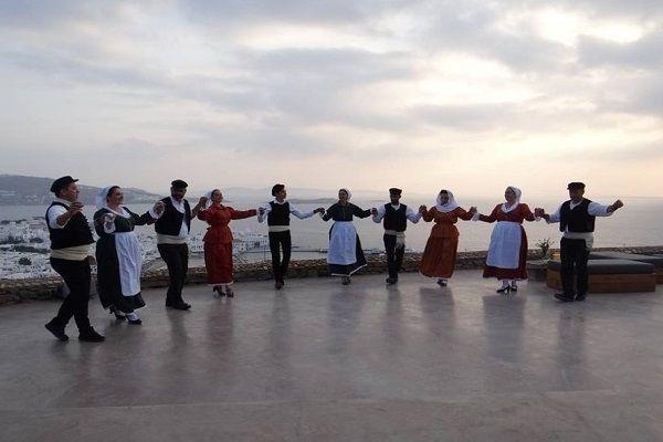 , Ευχαριστήριο «Ανεμόμυλων» πρός τους χορηγούς δώρων στον Αποκριάτικο Χορό του συλλόγου