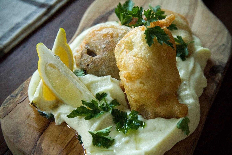 , Warum essen Kabeljau Knoblauch jeden 25. März; Wann und warum der Brauch etabliert