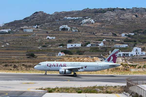 , Το πρώτο αεροσκάφος της Katar havayolları προσγειώθηκε στο Αεροδρόμιο της Μυκόνου [Videolar]