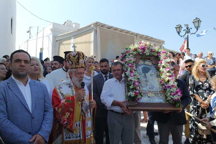 , Εν πληθούση εκκλησία οι Μυκόνιοι εόρτασαν την Απόδοση της Κοιμήσεως της Θεοτόκου (Εικόνες & Videos)