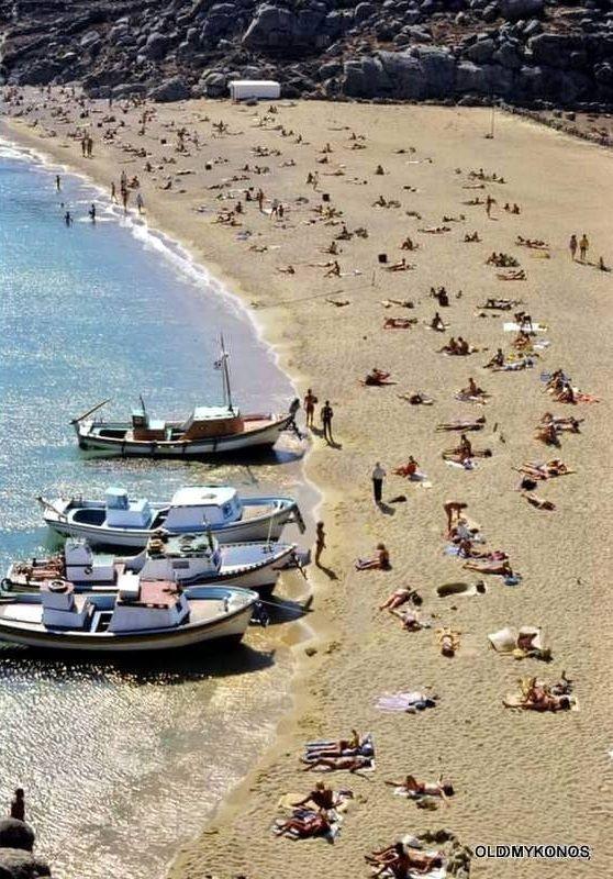 , Μύκονος: Το Super Paradise ανάμεσα στις 40 καλύτερες της Ευρώπης σύμφωνα με τον Guardian