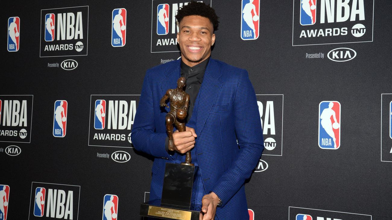 , «Ευχαριστώ την Ελλάδα» Ο συγκλονιστικός λόγος, του πρώτου Έλληνα MVP του NBA, Γιάννη Αντετοκούνμπο (Video)