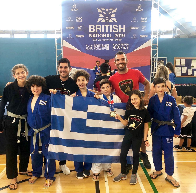 , Γούρικος ο Ατζαμόγλου – Εξι Χρυσά, ένα Ασημένιο και ένα Χάλκινο για την Μύκονο στους Διεθνείς Αγώνες Brazilian jiu-jitsu στο Λονδίνο