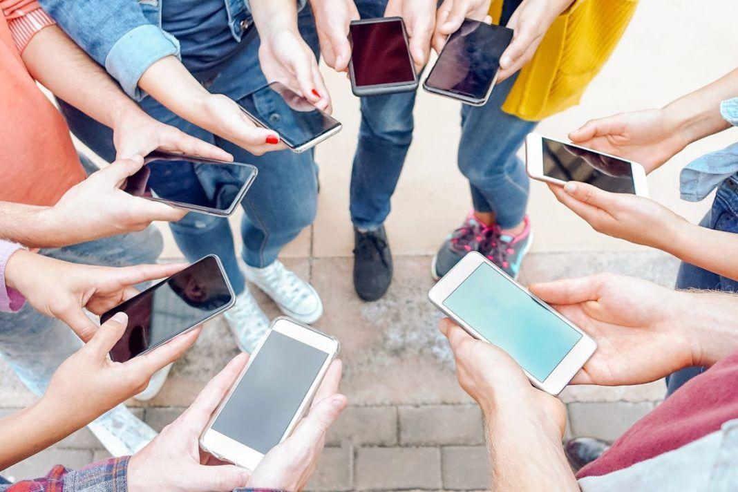 , 3 Χρήσιμα Tips για το καθάρισμα του κινητού!! Χρειάζεται τρόπος και προσοχή!!