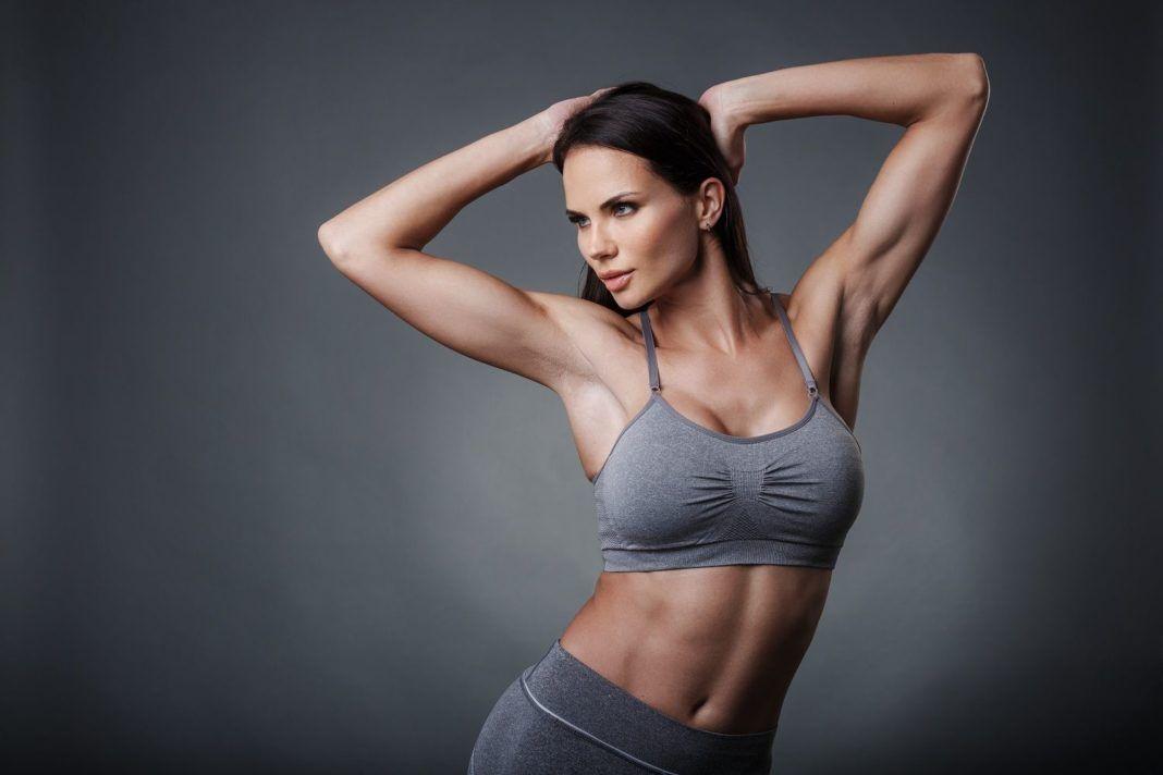 , Ασκήσεις που γυμνάζουν ταυτόχρονα κοιλιά και χέρια!! [Video]