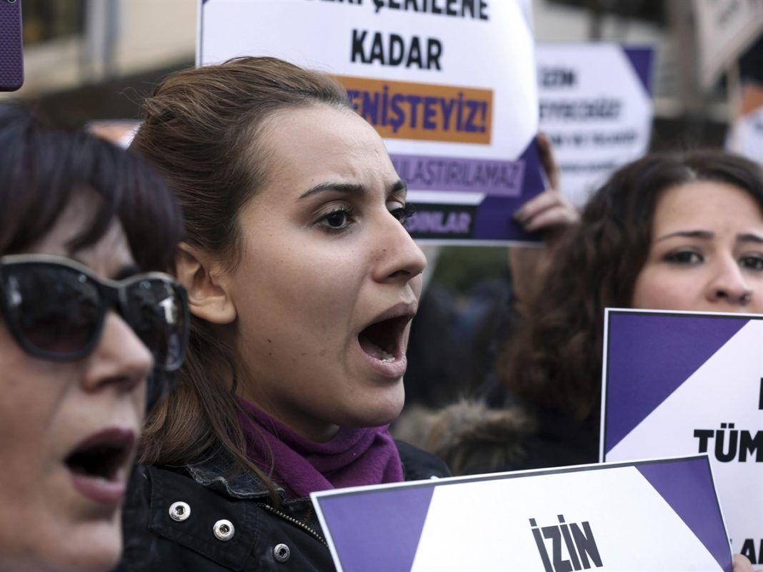 """, Ενα οπισθοδρομικό νομοσχέδιο """"Παντρέψου τον βιαστή σου"""" αναμένεται να εισαχθεί στο Τουρκικό κοινοβούλιο"""