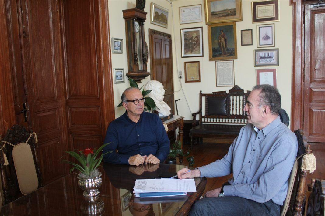 """, Εποικοδομητική συνάντηση Λεονταρίτη – Λειβαδάρα για το """"Κυκλαδικόν"""" και την αξιοποίηση εμβληματικών κτιρίων της Σύρου"""