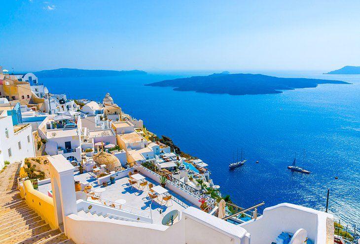 , «Plastic-Free Santorini» : Προτεραιότητα η διατήρηση του φυσικού περιβάλλοντος και η αναβάθμισή του νησιού ως προς την Αειφόρο Ανάπτυξη